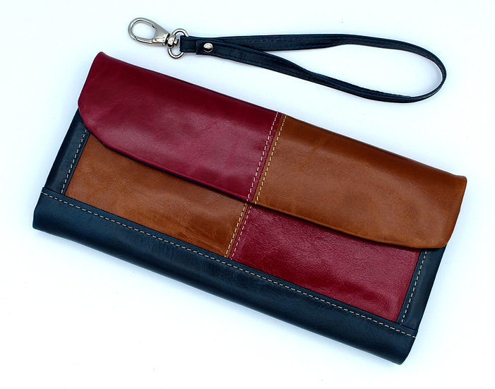Leather wallet made in Florence