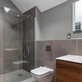 Master bedroom, ensuite bathroom