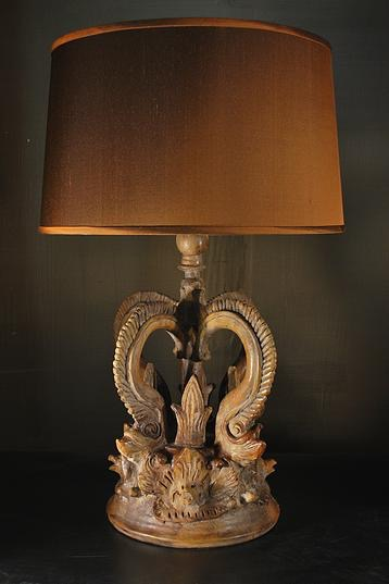 Le-3 Edovian Crown Lamp