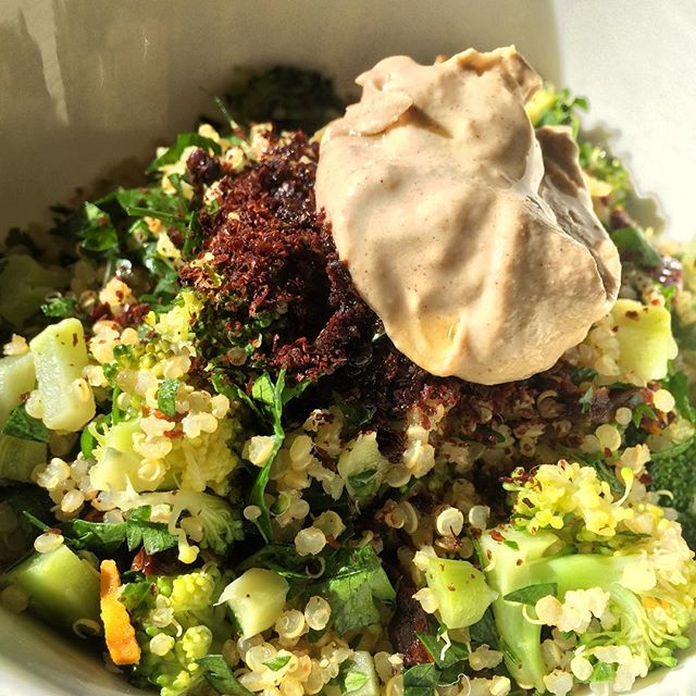 L U N C H ! Quinoa salad topped with tahini and sumac mmmmm #healthcoaching #munchkinkids #health #c