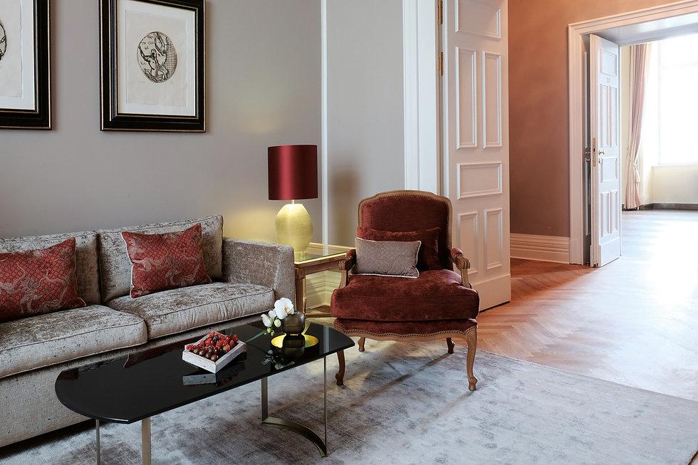 Traumhafte Suite im Grandhotel Schloss Bensberg mit Blick auf den Kölner Dom