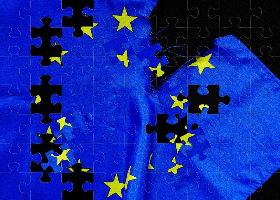 Puzzle con la bandera de la UE