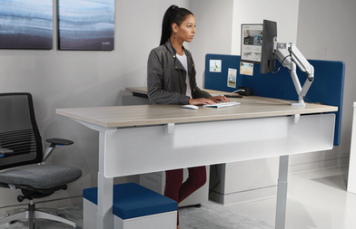 Adjustable-Height-Desk-Straight-1