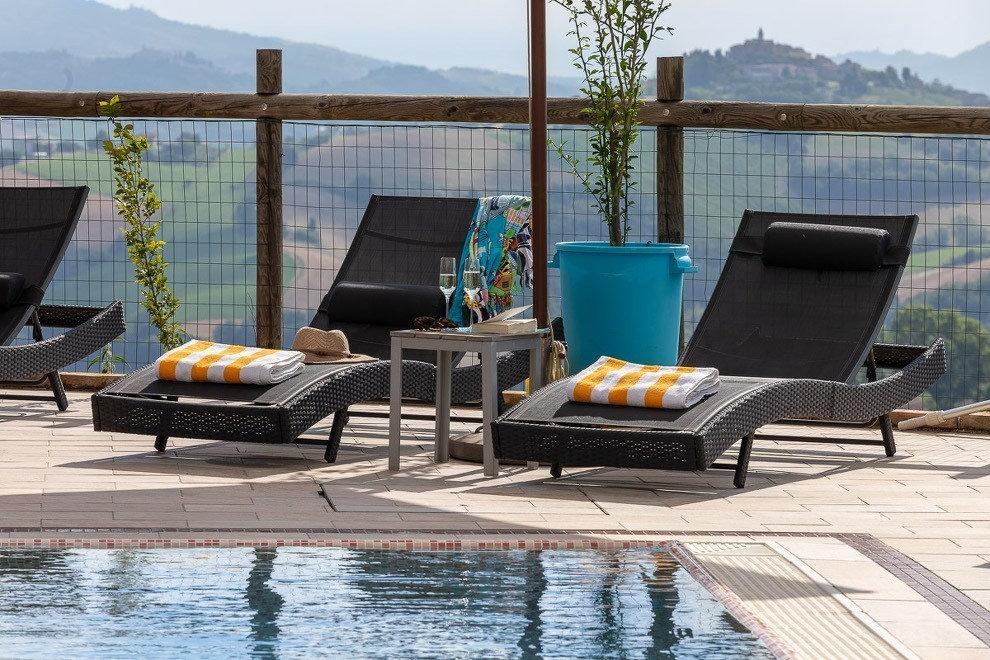 Italy Hotel L pool.jpg