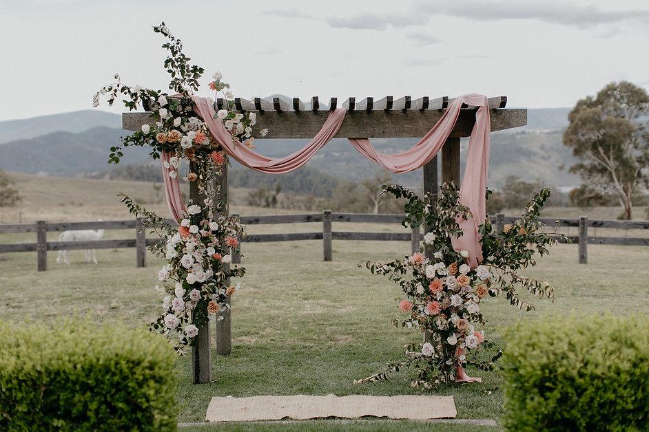 river-and-eve-flora-wedding-romantic-blue-mountains-sydney (15).jpg