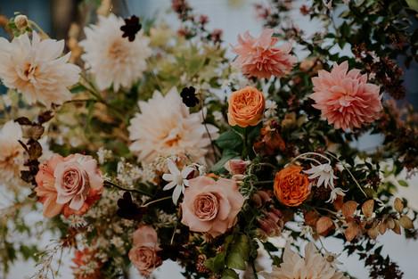 river-and-eve-flora-wedding-florist-sydney-autumn-warm-colour-palette-urban (20).jpg