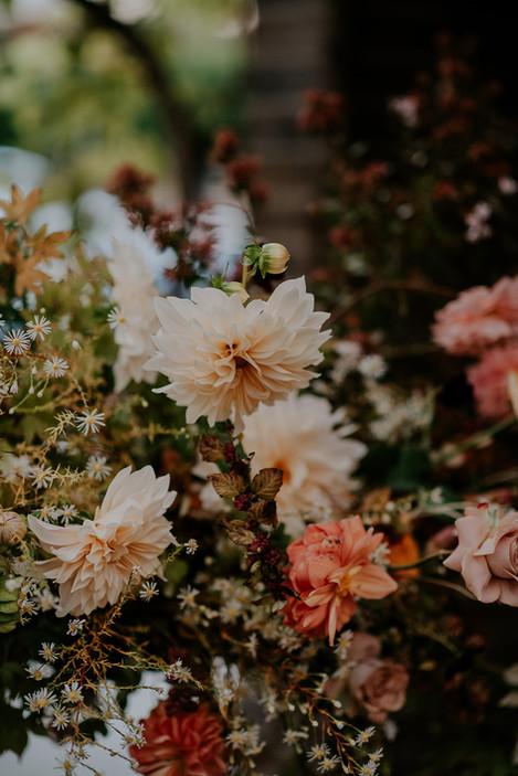 river-and-eve-flora-wedding-florist-sydney-autumn-warm-colour-palette-urban (21).jpg