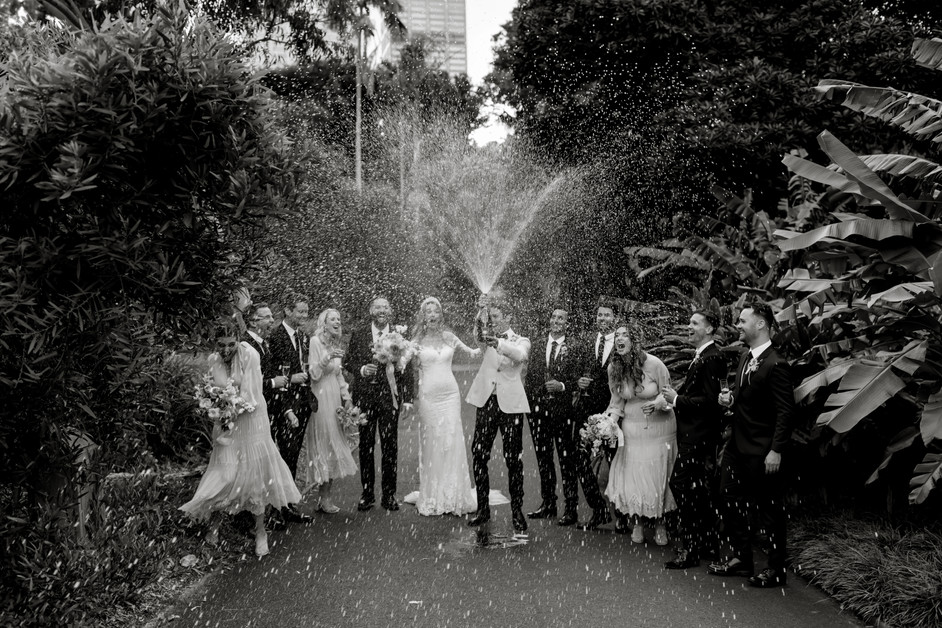 river-and-eve-flora-wedding-florist-sydney-botanical-gardens-soft-romantic-vintage (44).jp