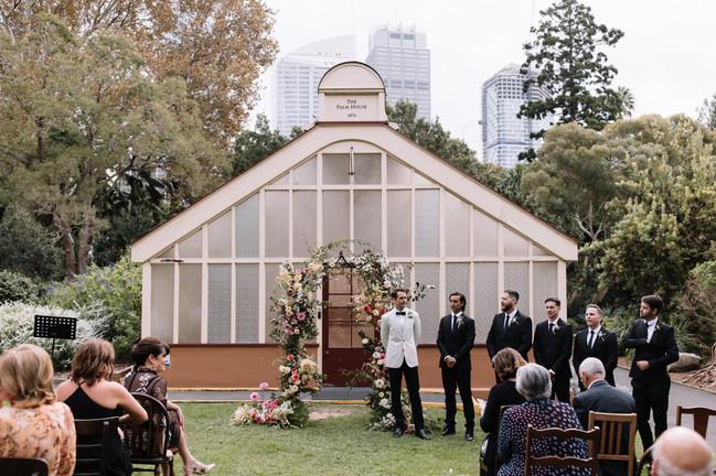 river-and-eve-flora-wedding-florist-sydney-botanical-gardens-soft-romantic-vintage (8).jpg