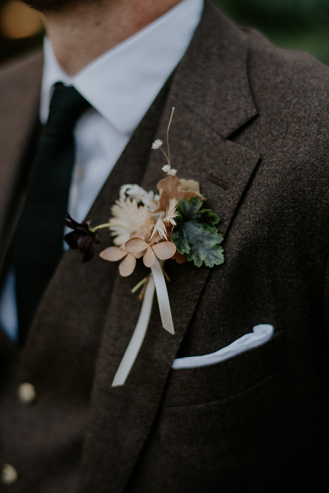 river-and-eve-flora-wedding-florist-sydney-autumn-warm-colour-palette-urban (13).jpg