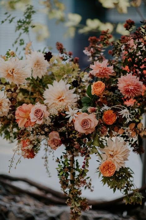 river-and-eve-flora-wedding-florist-sydney-autumn-warm-colour-palette-urban (19).jpg