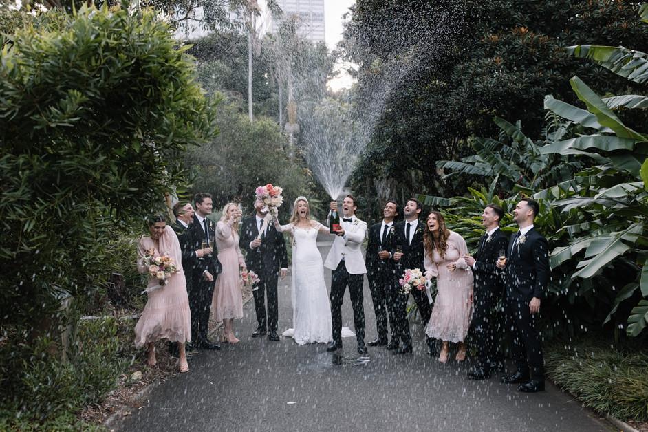 river-and-eve-flora-wedding-florist-sydney-botanical-gardens-soft-romantic-vintage (45).jp
