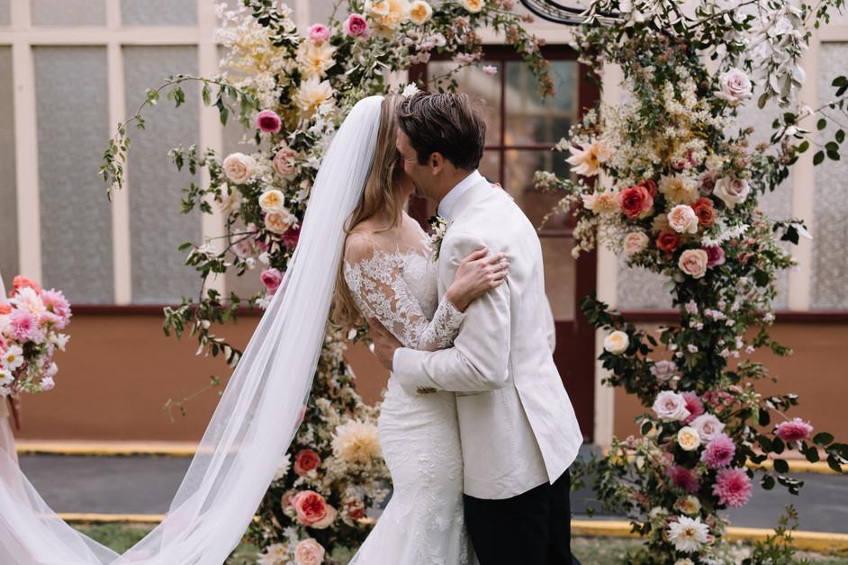 river-and-eve-flora-wedding-florist-sydney-botanical-gardens-soft-romantic-vintage (22).jp