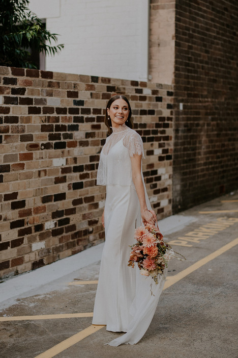 river-and-eve-flora-wedding-florist-sydney-autumn-warm-colour-palette-urban (26).jpg