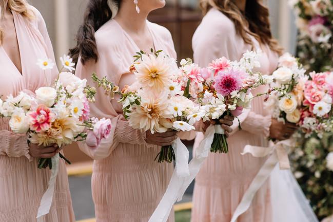 river-and-eve-flora-wedding-florist-sydney-botanical-gardens-soft-romantic-vintage (17).jp