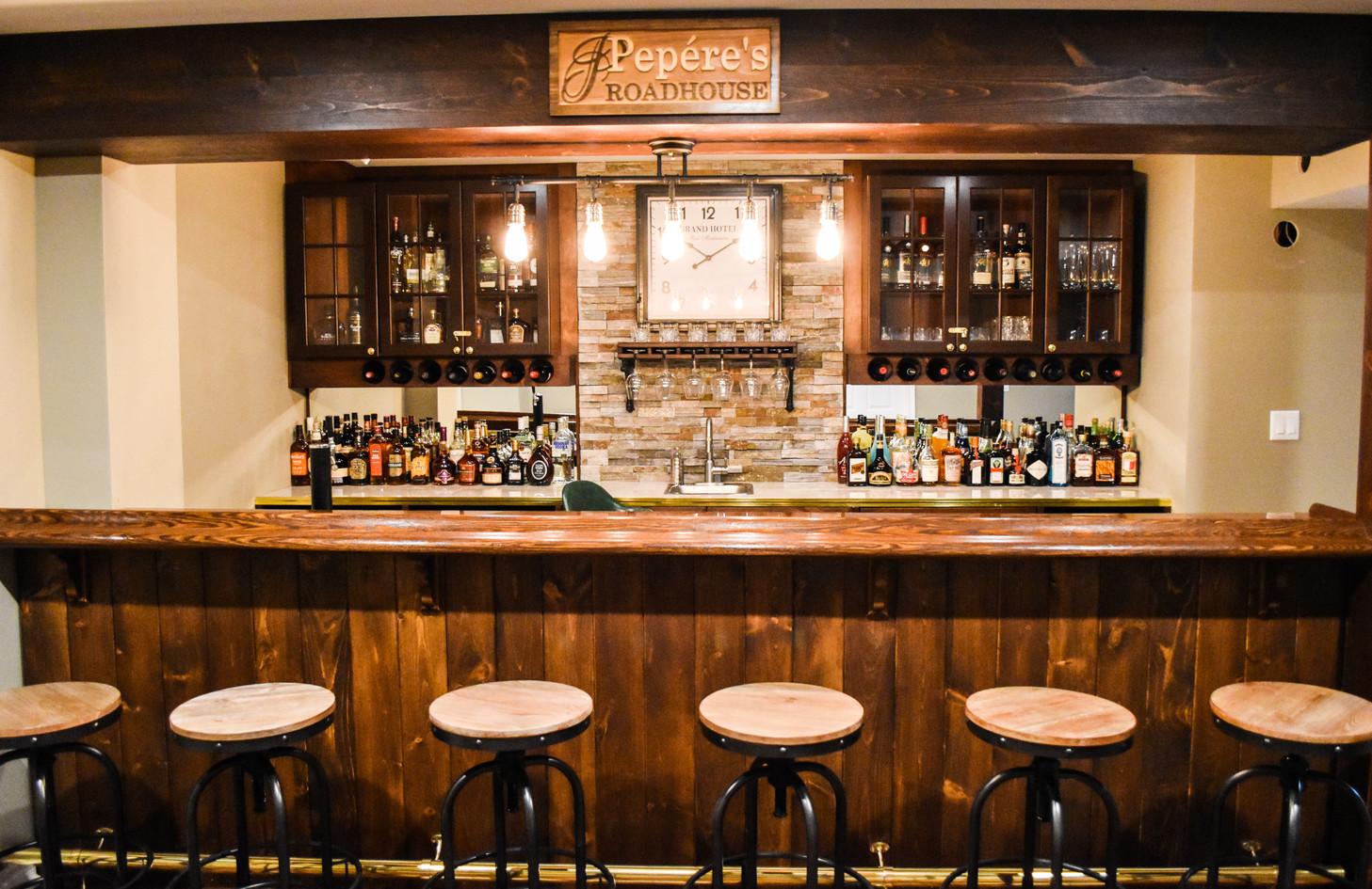 Old-fashioned bar