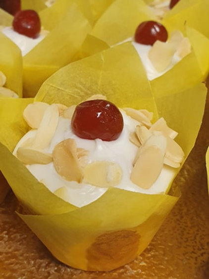 Bakewell Muffins ( 2 Pack) #9921