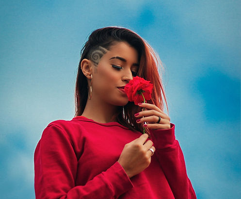 photo-of-woman-smelling-flower-2297184_e