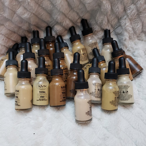 Total control Foundation ( many shades )
