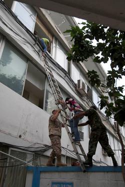 10-01-12-Earthquake 05 photo Logan Abassi.jpg