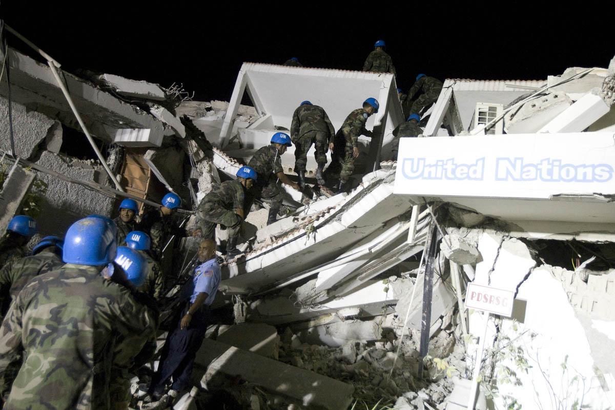 10-01-12-Earthquake 41 photo Marco Dormino.jpg