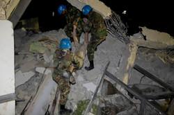 10-01-12-Earthquake 21 photo Logan Abassi.jpg