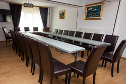 Sala conferinte - left angle.jpg