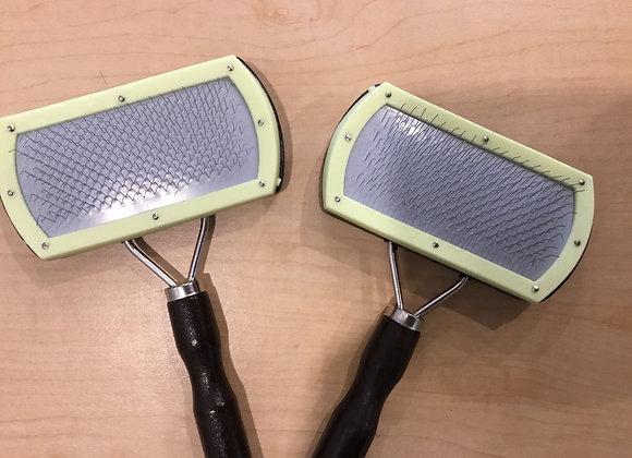 Grooming brush - metal brittles