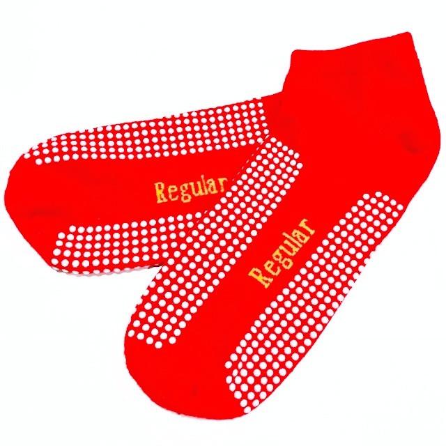 30 DAYS OF ORGANISED STYLE - Day 2: Socks & Hosiery