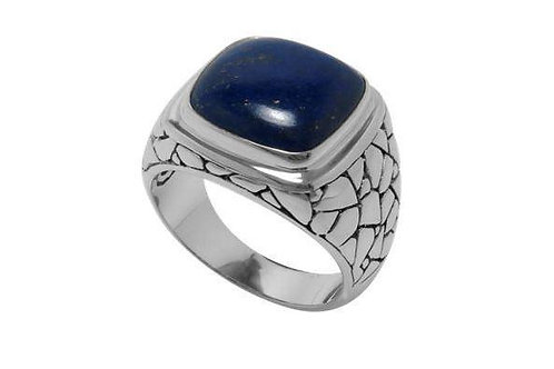 SS PEBBLE DESIGN RING WITH CUSHION CUT LAPIS