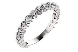 14K 0.25 CTW Round Milgrain Diamond Band