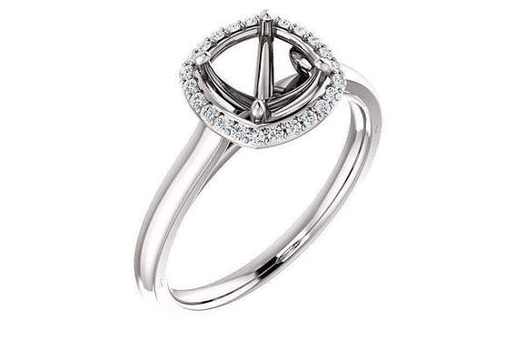 14K Gold Classic Diamond Halo Engagement Ring