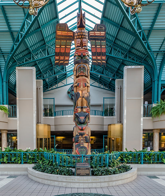 Hunt Family Crest Totem Pole, Victoria Conference Center Lobby