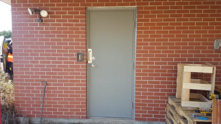 door with latch gaurd.jpg