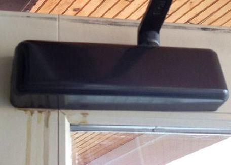 Door closure leaking oil
