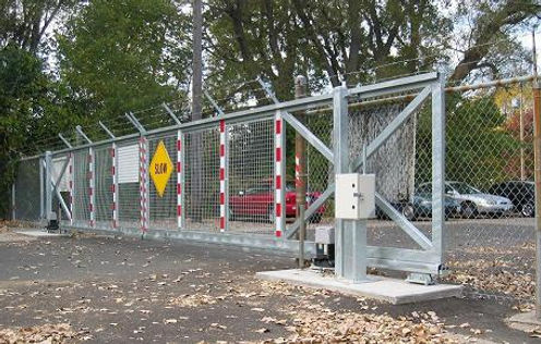 Automatic sliding commercial gate system