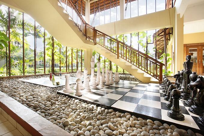 Nirwana Resort Hotel - Giant Board Games