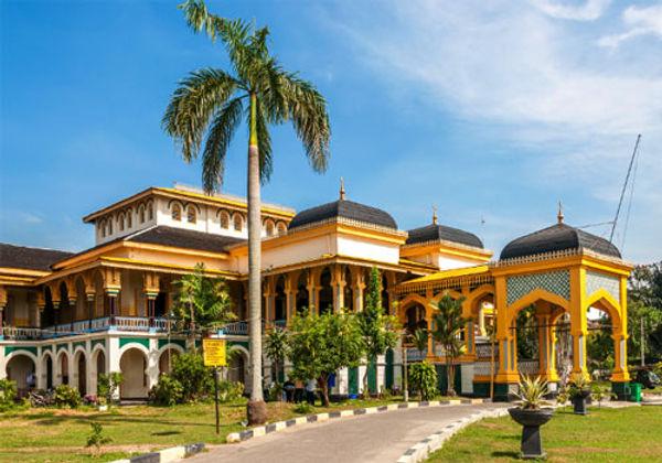 Istana-Maimoon-a.jpg