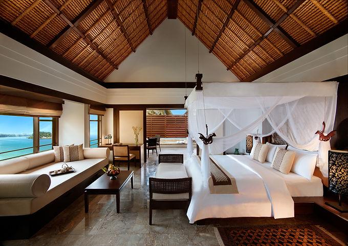 BTIDBN_49060594_Guestroom_Pool_Villa_Sea