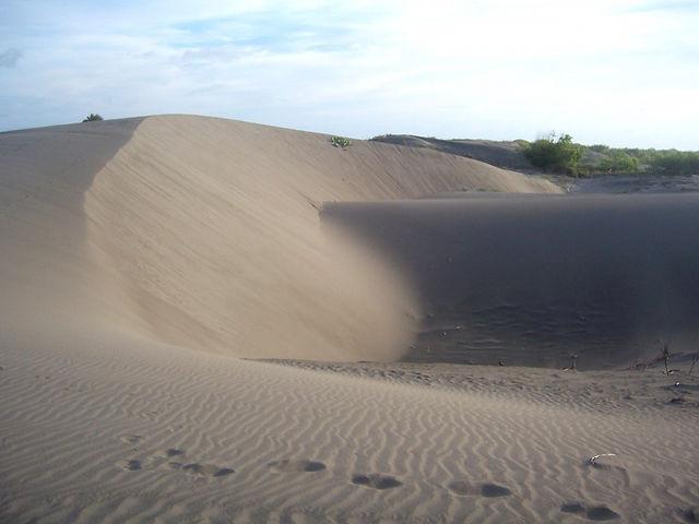 gumuk pasir.jpg