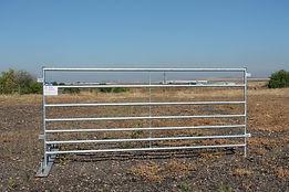 Ограждения для прилегающей территории фермы для овец и коз Javier Camara