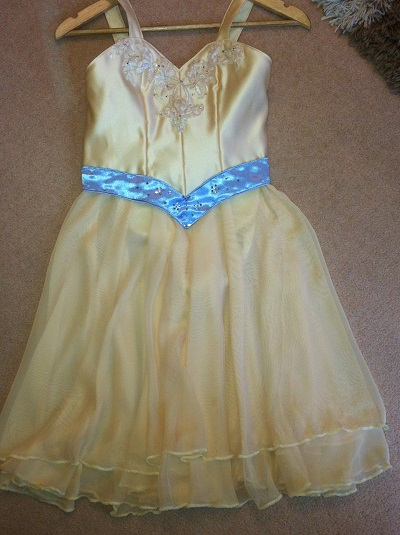 Yellow lyrical dress