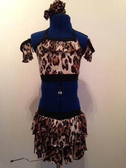 Childs tigger print two piece