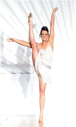dani song and dance (2)