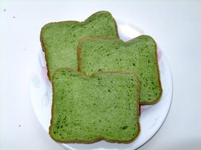 炊飯器で作る 抹茶風味食パン