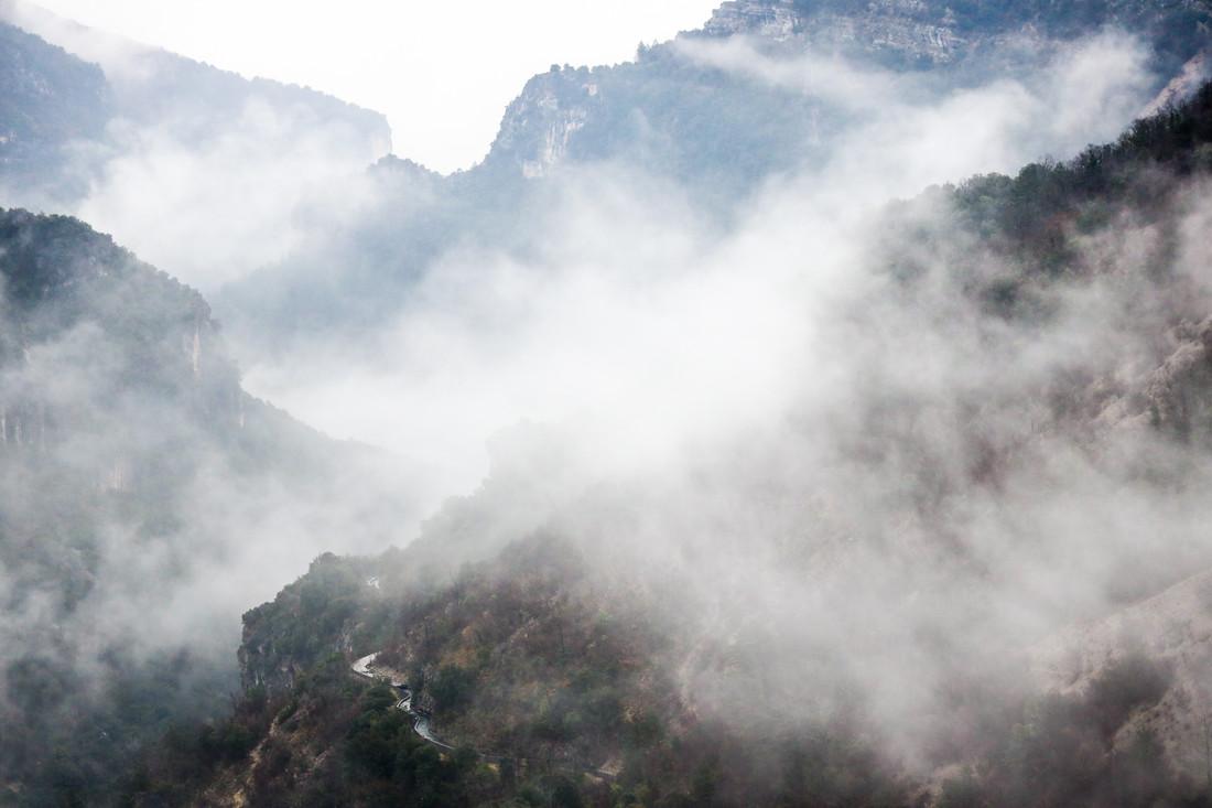 Brume sur le Larzac, France