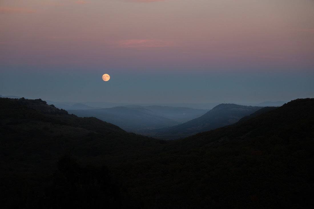 Pleine lune, Hérault, France