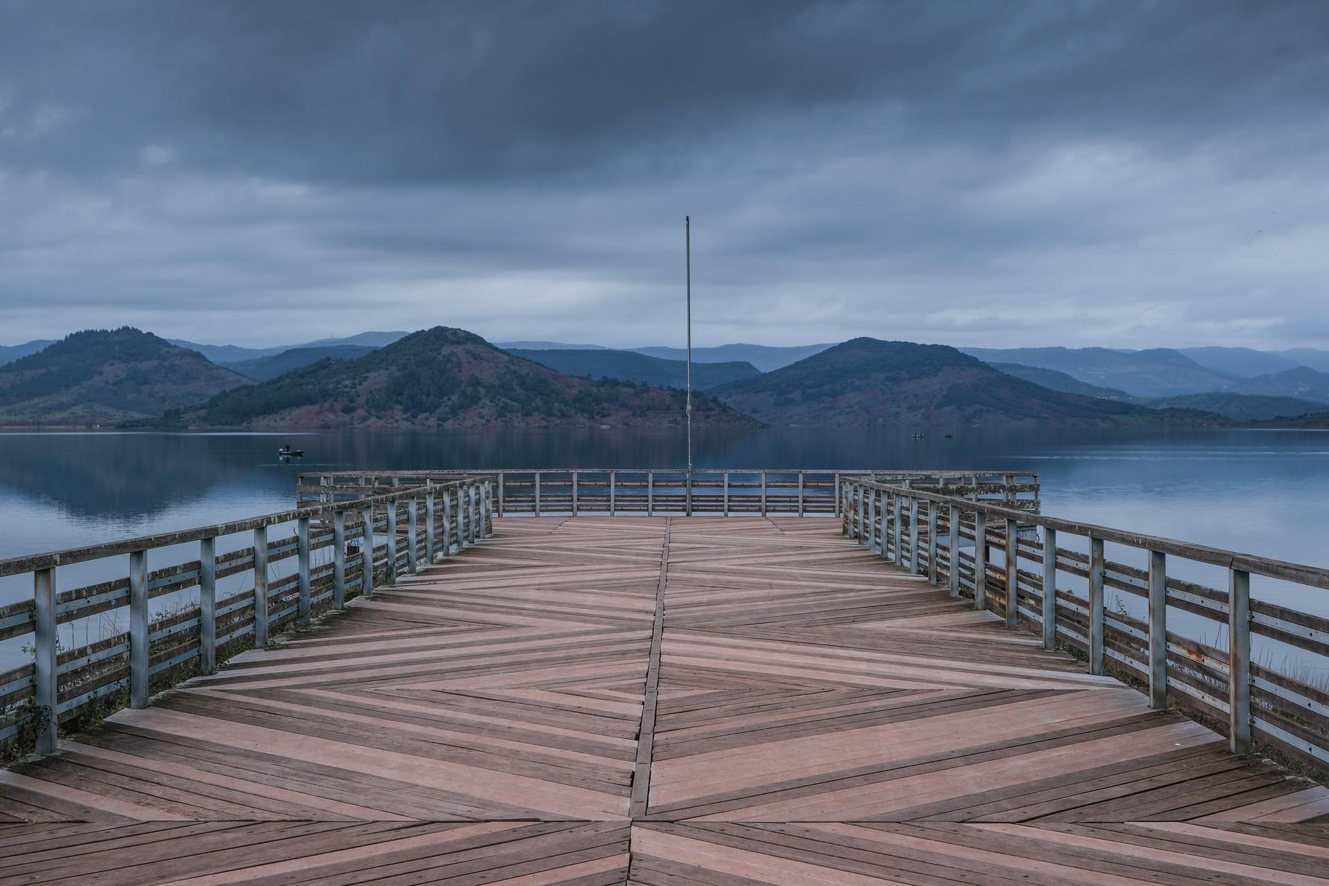 La jetée, lac du Salagou, France