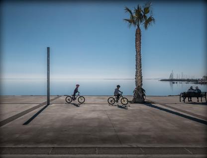 Deux jeunes cyclistes