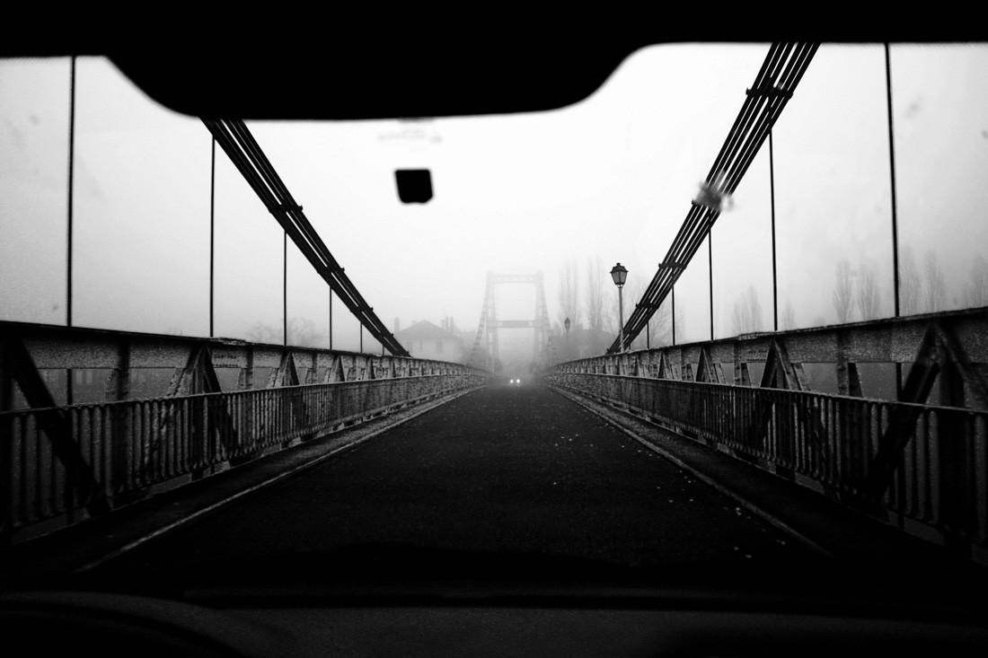 Un pont dans le brouillard, Lot-et-Garonne, France